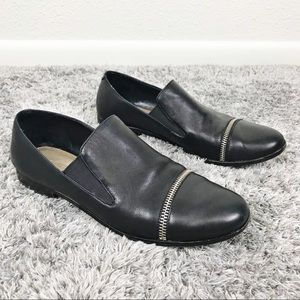 Pour La Victoire Lynn Zipper Loafer Slip On Shoe